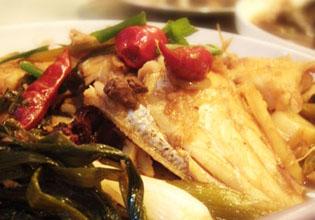 红烧葱结橡皮鱼